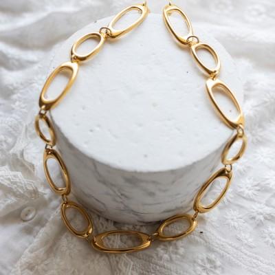Adele necklace gold